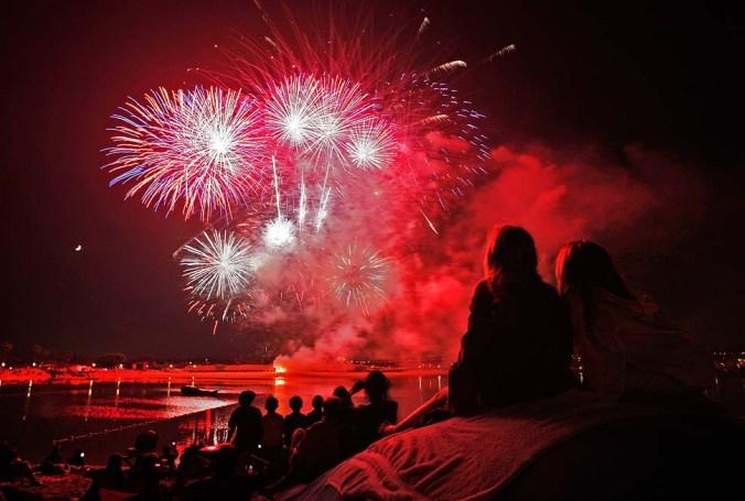 166602_fireworks_AJS